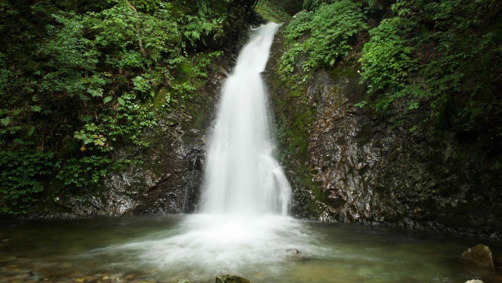 竜化の滝 遊歩道沿いの小さな滝