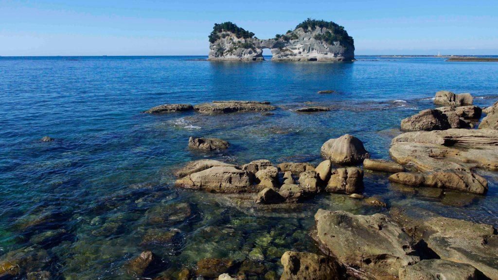 円月島ときれいな海