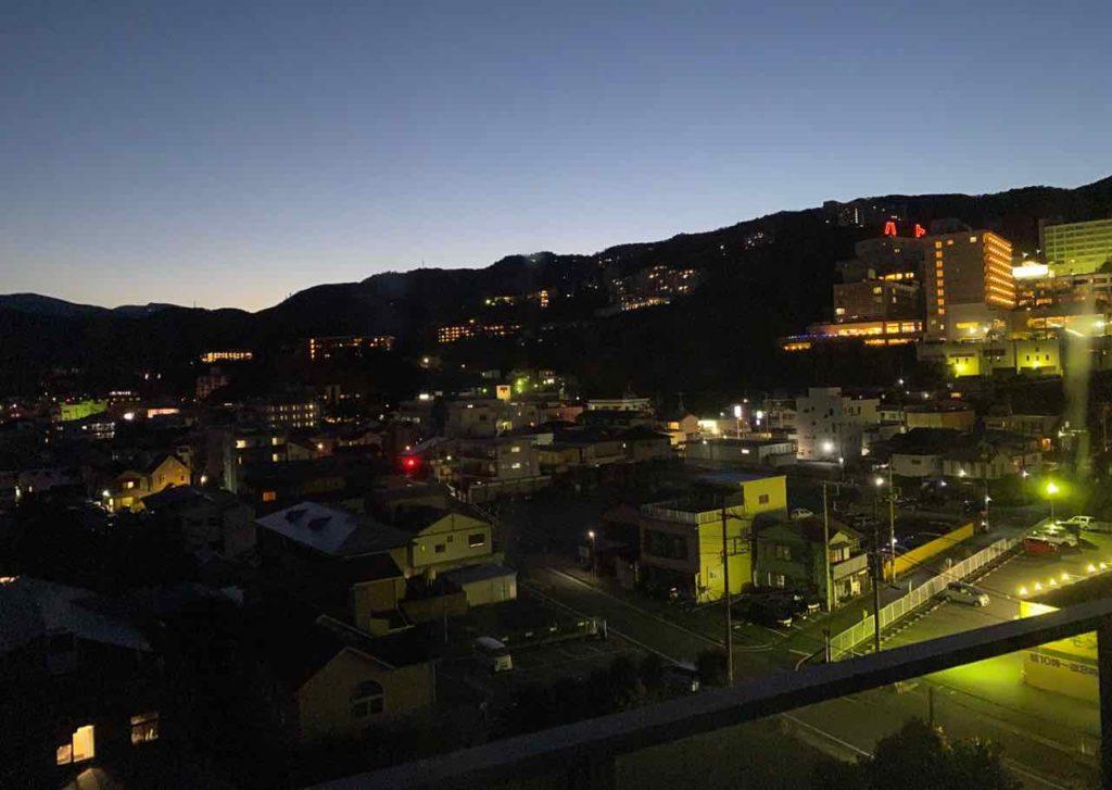 ホテルニュー岡部 部屋からの夜の眺め