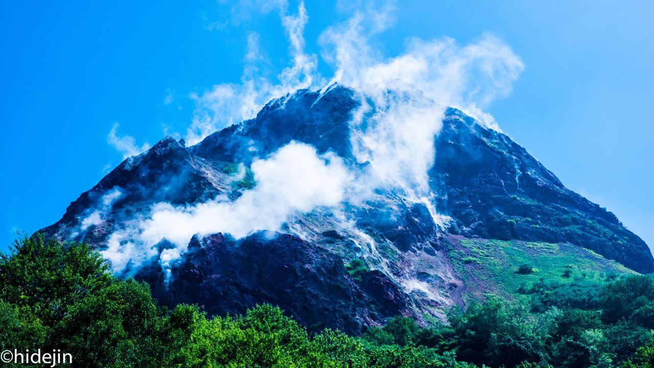 有珠山で自然の息吹を感じる