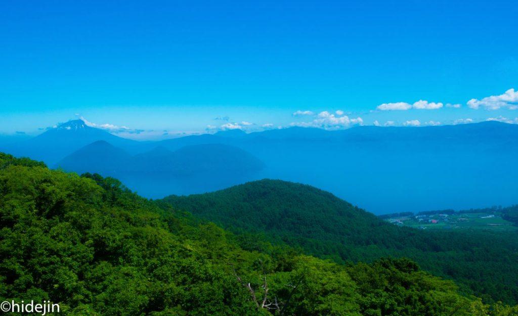 洞爺湖と羊蹄山