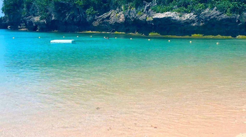伊計ビーチには外国人客が多い