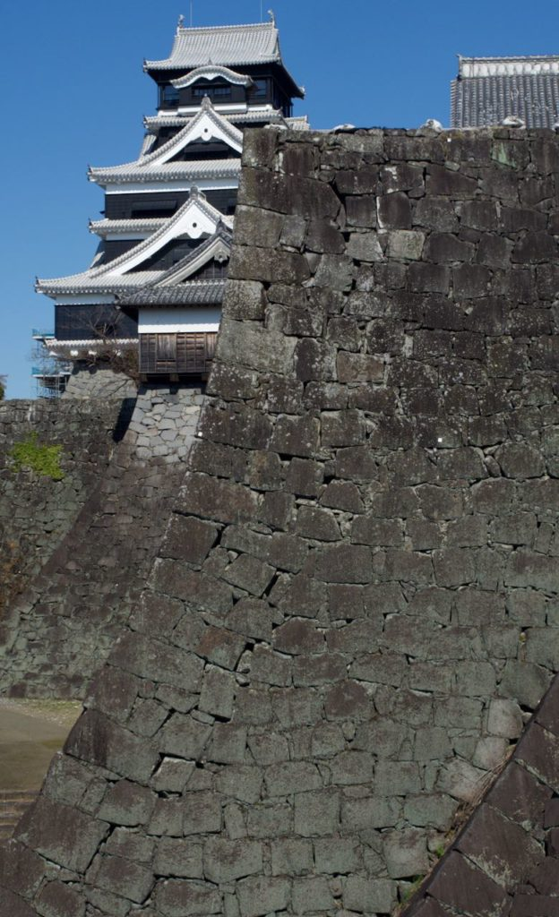 熊本城の堅牢な石垣