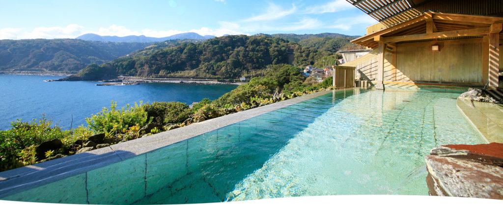 DHC赤沢温泉ホテルの檜風呂 露天風呂