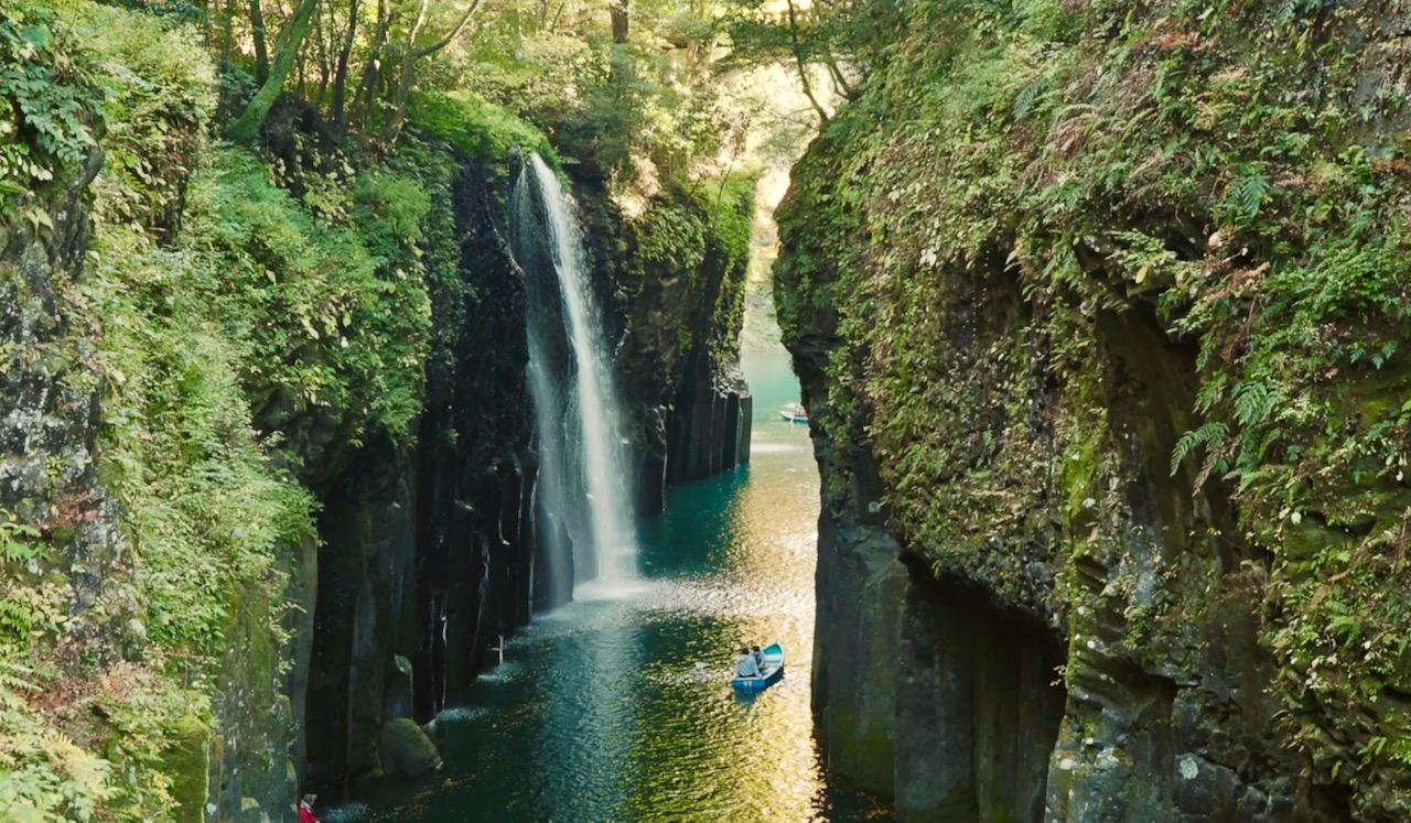 高千穂 神々しい峡谷