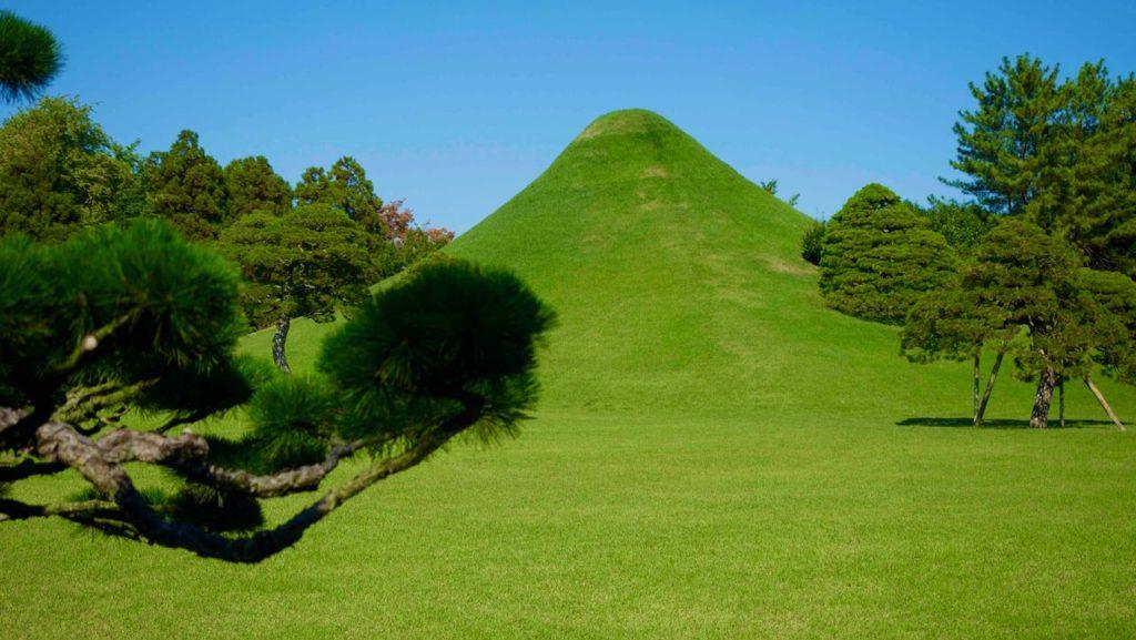 富士山の築山が美しい