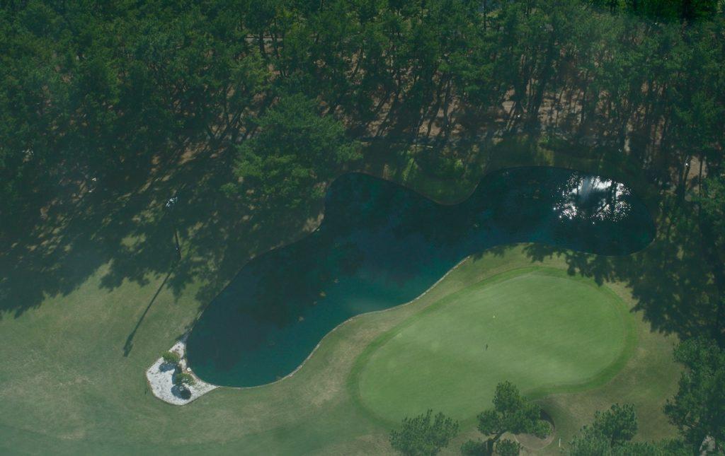 シェラトングランデオーシャンリゾートのデラックスツインの部屋 ゴルフコースを臨む