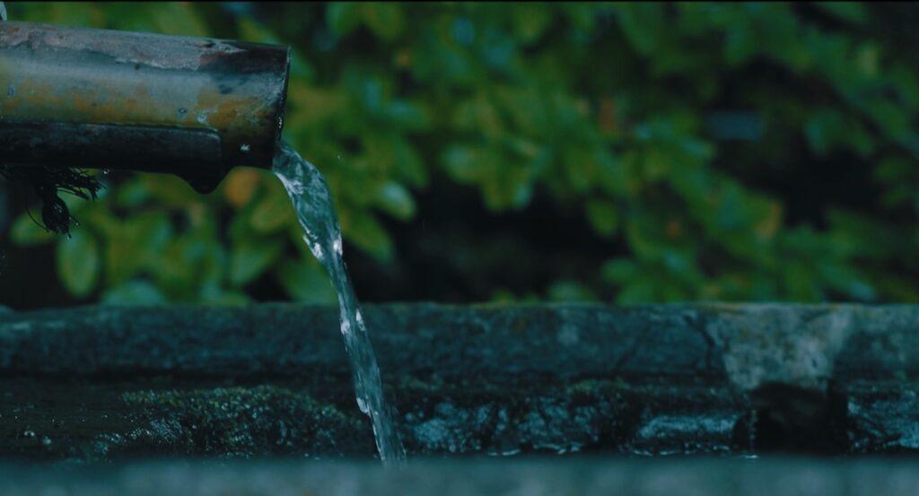 水が綺麗な黒川温泉街