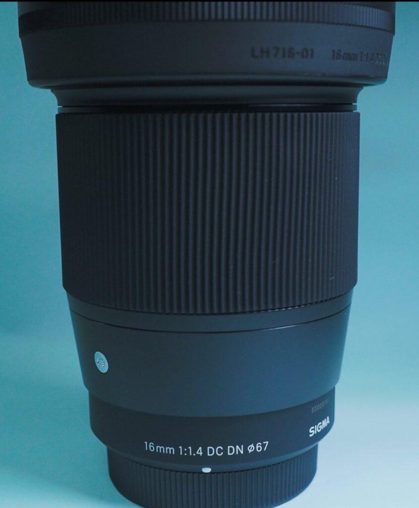 SIGMA 16mm F1.4 DC DN全体イメージと箱